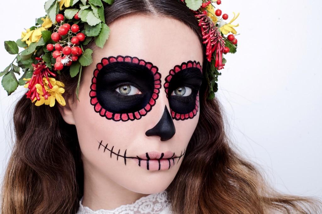 מראה איפור סאקרה בהשראת החג המקסיקני