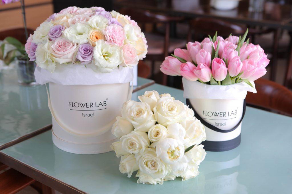 זרים בקופסאות של FLOWER LAB להשיג בwww.flowerlab.co.il